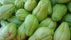 The chayote is a plant that is used as a vegetable to prepare some of our delicious dishes in the kitchen and is also known as chayote. Many people consume it, however, because it does not have much flavor, many people decide not to eat it because they simply do not like to eat something …
