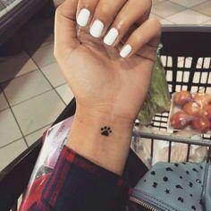 Tatuajes pequeños para mujeres Huella