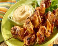 Brochetas de pollo marinadas con cilantro