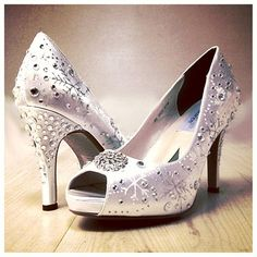 Wedding Shoes  snowflakes shoes rhinestones  White by norakaren