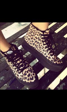 Platform leopard vans