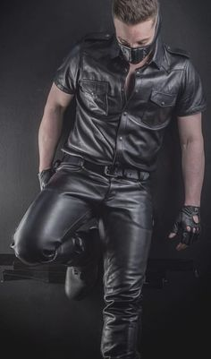 Leather Men, Leather Pants, Black Leather, Second Skin, Hot Guys, Handsome, Mens Fashion, Jackets, How To Wear