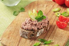 Nátierka z pečeného bravčového mäsa Cereal, Breakfast, Desserts, Food, Morning Coffee, Tailgate Desserts, Deserts, Essen, Postres