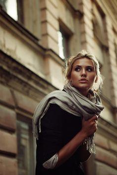 Street Chic Grey Scarf Autumn