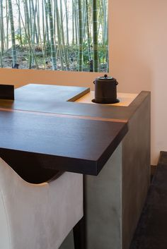 evameva yamanashi | 奥野公章建築設計室 Yamanashi, Unusual Plants, Dining Table, Architecture, Interior, Studio Design, Room, House, Furniture