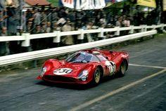 Nino Vaccarella (Ferrari 330 P3) Targa Florio 1966 - source Carros e Pilotos.