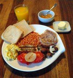 One of my favourite international breakfasts: English breakfast Find an easy recipe how to make baked beans. Blog Pictures, Baked Beans, Breakfast Recipes, Cloud, French Toast, Easy Meals, English, English Language, One Pot Dinners