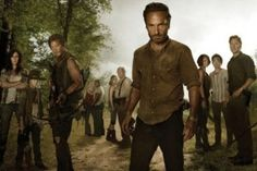 """What's scarier than the walking dead? The living, according to """"The Walking Dead"""" Season 3 poster. In Season 3 of AMC's """"The Walking Dead,"""" Rick (A. The Walking Dead Capitulos, Walking Dead Saison 3, Walking Dead Tv Series, Walking Dead Season, Walking Dead Wallpaper, Merle Dixon, Andrew Lincoln, Rick Grimes, Critique Cinema"""