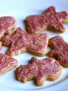 Sugar Cookie Cutouts (AIP Friendly) via http://beyondthebite4life.blogspot.com/2014/12/iced-sugar-cookie-cutouts-aip-friendly.html #paleo #christmascookies #aip
