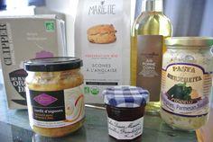 Box #25 France -> France France —> France Jus de pomme-coing de chez Alain Millat ( Apple and quince juice from Allain Millat) Sauce pour Bruschetta i Pasta Aubergines, parmesan, basilic de chez Florelli ( Eggplant, basil and parmesan sauce for Bruschetta and pasta) Gelée de groseilles et framboises de chez Bonne Maman ( redcurrant and rasberries jam) Confit d'oignons ( onions marmelade) Infusion détox bio ( organic detox infusion ) Kit à scones de chez Marlette ( Cooking kit for scones )