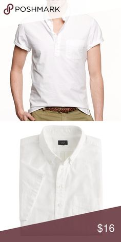 J.Crew Short Sleeve Popover Shirt in Oxford Cloth (WS1117) White Men's short sleeve popover. Size: XS. J.Crew item # A1770 Striking the balance between buttoned up and casual, popovers work just as well with a blazer as they do with broken-in chino shorts. This one is made from the same fabric we use for our classic vintage oxford shirts.  Cotton oxford. Button-down collar. Machine wash. J. Crew Shirts