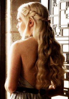 periodfantasy - Posts tagged game of thrones Emilia Clarke Daenerys Targaryen, Game Of Throne Daenerys, Daenarys Targaryen, Elven Queen, The Mother Of Dragons, Fantasy Hair, Princess Leia, Princesas Disney, Beautiful Actresses