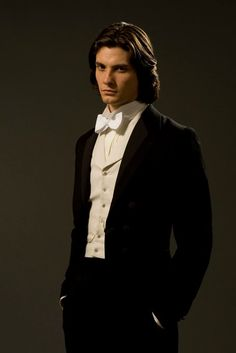 Ben Barnes as Dorian Gray or classical concert artist fashion.or Sirius Black? Dorian Gray, Ben Barnes Sirius, Young Sirius Black, Poses, Beautiful Men, Beautiful People, Dream Cast, Mode Steampunk, Jonathan Rhys Meyers