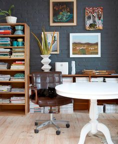 Moderno e rústico. Veja: http://casadevalentina.com.br/blog/detalhes/moderno-ou-rustico-ambos-2848  #decor #decoracao #interior #design #casa #home #house #idea #ideia #detalhes #details #style #estilo #rustic #rustico #modern #moderno #casadevalentina #homeoffice #office #escritorio