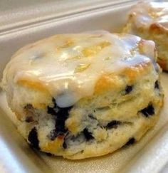Blueberry Biscuits: 2 Cups Flour 1 Cup milk (cold) ⅓ Cup sugar 5 T of butter (cold or frozen) 4 tsp baking powder 1 tsp salt 3 oz of blueberries (fresh or dried) Glaze: 1 Cup of powdered sugar ⅛ Cup of water 1 tsp of vanilla ½ tsp of lemon juice Bo Berry Biscuits, Buttery Biscuits, Fruit Biscuits, Oatmeal Biscuits, Easy Biscuits, Healthy Biscuits, Cinnamon Biscuits, Fluffy Biscuits, Buttermilk Biscuits