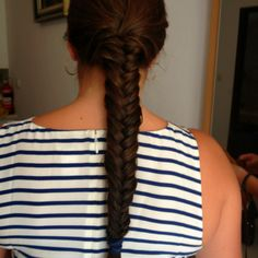 fish tail and stripes