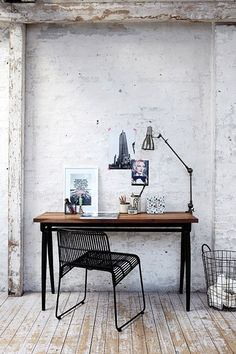 Table in collaboration with wall