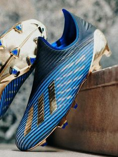 Adidas Soccer Boots, Nike Football Boots, Adidas Sport, Football Soccer, Purple Basketball Shoes, Soccer Shoes, Soccer Cleats, Soccer Pictures, Soccer Practice