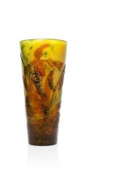 """Emile GALLE (1846 - 1904) """"Orchidées"""" Superbe vase en verre multicouche,"""