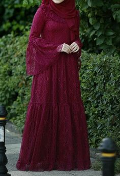 Stylish Dresses For Girls, Modest Dresses, Abaya Fashion, Fashion Dresses, Pretty Outfits, Pretty Dresses, Muslim Dress, Hijab Dress, Muslimah Wedding Dress