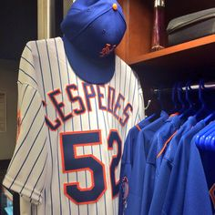 Cespedes uniform - first game with New York Mets Ny Mets, New York Mets, How Soon Is Now, Baseball Players, Bad Boys, Mlb, Sports, Trading Cards, Evolution