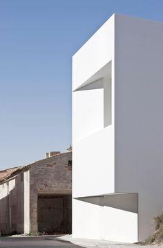 Frank Silvestre - House on the Castle Mountainside -  Ayora, Valencia, Spain 2010
