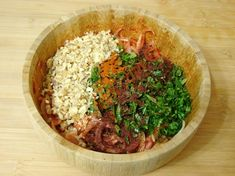 Bezirgan Salatası Tarifi Yapılış Aşaması 5/8 Beverages, Keto, Salad, Meals, Food, Cooking Recipes, Food And Drinks, Recipies, Meal
