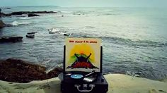 Bob Marley & The Wailers - Redemption Song (Vinyl) http://www.turntableproject.com This music video was created using a turntable, a vinyl record and the natural environment.