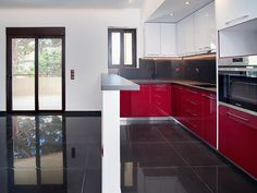 Ανακαίνιση σπιτιού στα Βριλήσσια   Home Done Kitchen Cabinets, Table, Furniture, Home Decor, Decoration Home, Room Decor, Cabinets, Tables, Home Furnishings