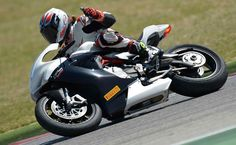 Motorycle.com's review of the 2014 MV Agusta F3 800