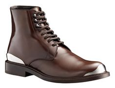The softest leather combined with metalic pieces. Louis Vuitton boots
