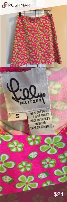 Vintage Lilly Pulitzer Skirt Size Small Lilly Pulitzer vintage skirt in good previously worn condition , free of  stains and tears . Size Small. Shows some signs of repeated washing. Lilly Pulitzer Skirts