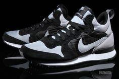 online retailer b676a 8dc05 Nike Internationalist Mid
