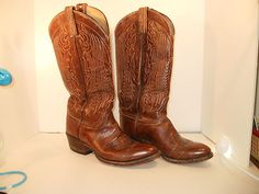 $39.99.  Tony Lama Mens Leather Embroidered Cowboy Boots Size 7 D 14-inch Shaft