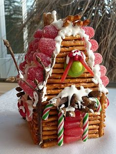 Graham Cracker & Pretzel Gingerbread House