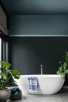 Dark & moody bathroom