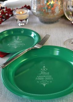 Personalized plastic Christmas plates are available in choice of size for appetizers, salads, dinner, desserts and Christmas cookie gift plates. Christmas Cookies Gift, Christmas Party Decorations, Christmas Plates, Christmas Tea, Christmas Wrapping, Dessert Plates, Party Plates, Womens Christmas, Cookie Gifts