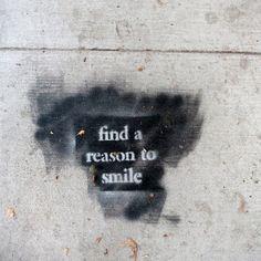 ''E' il tuo giorno''. Un'affermazione, più che un augurio, contro cui è possibile ''inciampare'' durante una passeggiata Venice (Los Angeles), in California. Il messaggio fa parte di un progetto di street art pensato per trasmettere il buon umore. Tra le ''positive affirmations'' scrit