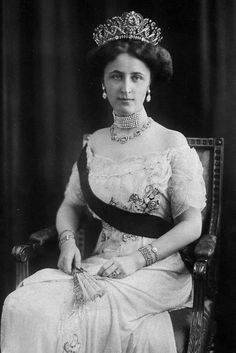 Princess Feodora of Saxe-Meiningen (1874-1945) was the daughter of Bernhard III, Duke of Saxe-Meiningen and his wife, Princess Charlotte of Prussia, a granddaughter of Queen Victoria and Prince Albert.  Feodora and her mother are both said to have had porphyria, a genetic disorder that affects the brain.