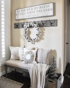Shabby chic is the newest craze in the rustic fashion of decorating. Because of its simple elegance, shabby chic has come to be quite well known in the realm of interior design. Shabby chic relies heavily on fabric to provide… Continue Reading → Rooms Home Decor, Living Room Decor, Diy Home Decor, Decor Crafts, Rustic Living Room Furniture, Entryway Furniture, Country Furniture, Farmhouse Furniture, Decor Room