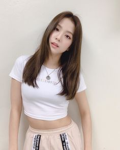 Discovered by love poem ♡. Find images and videos about kpop, korean and rose on We Heart It - the app to get lost in what you love. Blackpink Jisoo, Kpop Girl Groups, Korean Girl Groups, Kpop Girls, Black Pink ジス, Ft Tumblr, Blackpink Members, Blackpink Photos, Jennie Blackpink