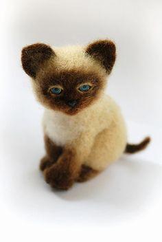 мастер-класс по валянию, игрушка из шерсти, обучение валянию, сухое валяние, валяние из шерсти, научиться валять, котёнок, игрушка котенок