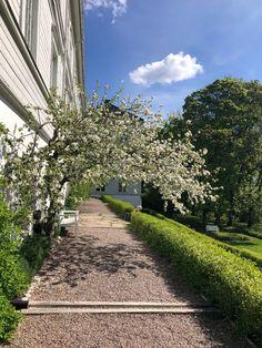 Linderud gård, Oslo. Oslo, Sidewalk, Side Walkway, Walkway, Walkways, Pavement