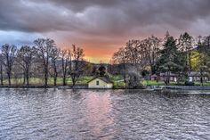 03/12/2015 - Bufff nos quedamos sin habla ante esta maravilla de foto de nuestro viajero Roberto Ticas desde el Lago Traunsee en Austria . ¿nos os parece impresionante? ¡A qué esperar para descubrirlo! Austria, Beautiful Places, Poster, Pictures, Travel, Lakes, Awesome, You Are Awesome, Impressionism