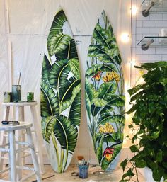 surfsup: Some mornings, I couldn't get the girls up and out of CON KSO early enough for a dawn patrol surf check. On those days I'd set off on the surf exploration satellite vehicle. Surfboard Painting, Surfboard Art, Skateboard Art, Hawaii Painting, Deco Surf, Floor Murals, Surf Design, Surfing Pictures, Painted Boards