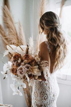Beige Wedding, Floral Wedding, Fall Wedding, Wedding Colors, Wedding Bouquets, Rustic Wedding, Dream Wedding, Boho Wedding Flowers, Wedding Flower Hair