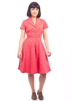 The anchor print Charlotte dress from Circus, at Carousel Vintage Inspired Outfits, Vintage Style Outfits, Vintage Dresses, Vintage Fashion, Latest Summer Fashion, Charlotte Dress, Anchor Pattern, Irish Design, Anchor Print