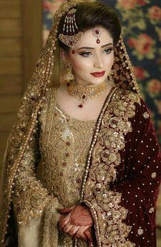 Latest bridal jewellery design Latest bridal jewellery design Jewellery design is the art or profession of designing and creating je. Asian Bridal Dresses, Bridal Mehndi Dresses, Indian Bridal Outfits, Bridal Dress Design, Pakistani Wedding Outfits, Pakistani Wedding Dresses, Bridal Dulhan Makeup, Wedding Lehnga, Walima Dress