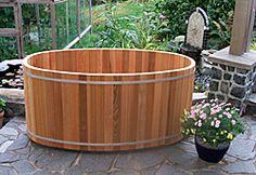 Japanese Ofuro red cedar soaking hot tub