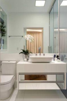 Casa Buriti: Banheiros modernos por Arquiteto Aquiles Nícolas Kílaris